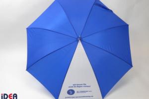 Regenschirm mit Logo und Slogan bedruckt